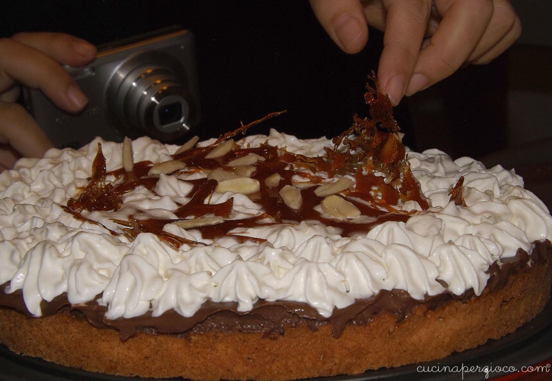 Crostata cioccolato panna e caramello salato