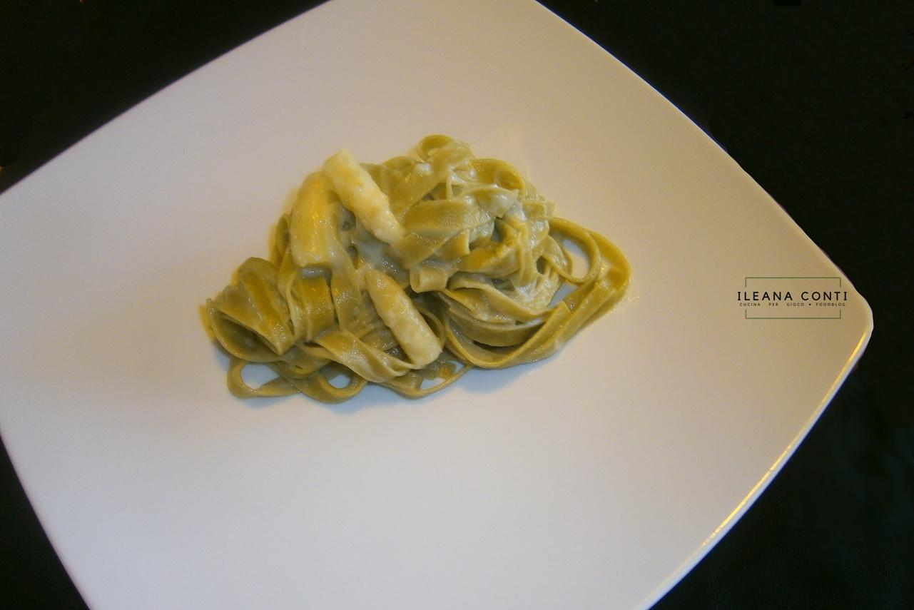 Fettuccine con crema di asparago bianco di Bassano Dop e taleggio