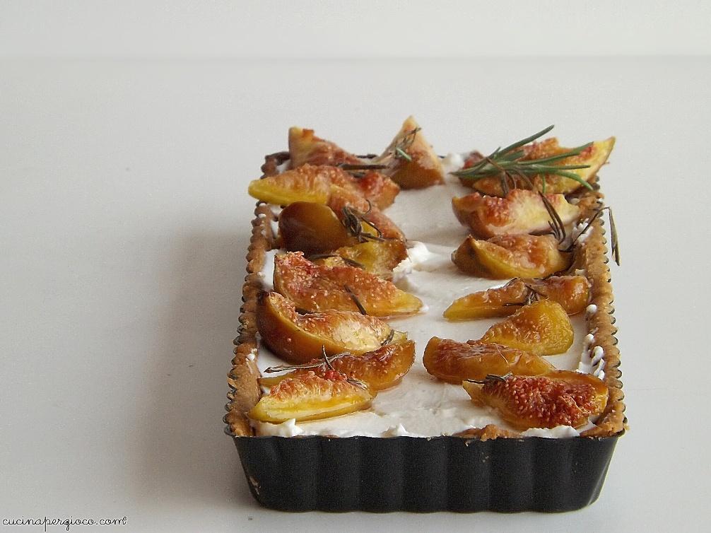 Rosmary Fig Tart, Crostata con crema al caprino e fichi caramellati al rosmarino
