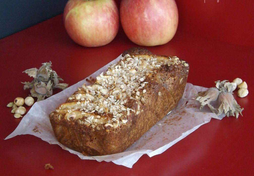 Torta di mele con nocciole avena e grano saraceno