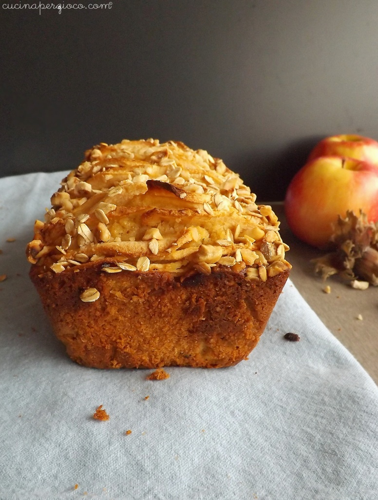 Torta mele nocciole avena