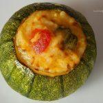 Piatti estivi: Zucchine ripiene di riso al forno. Ricetta e procedimento.