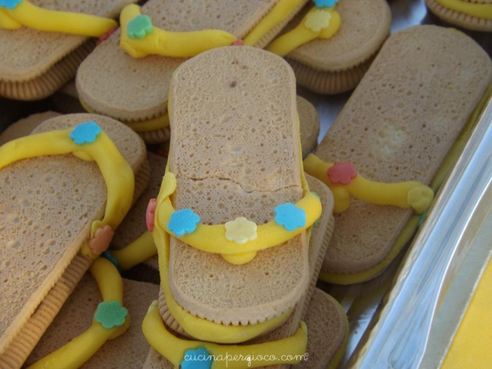 Festa a tema mare: biscotti infradito