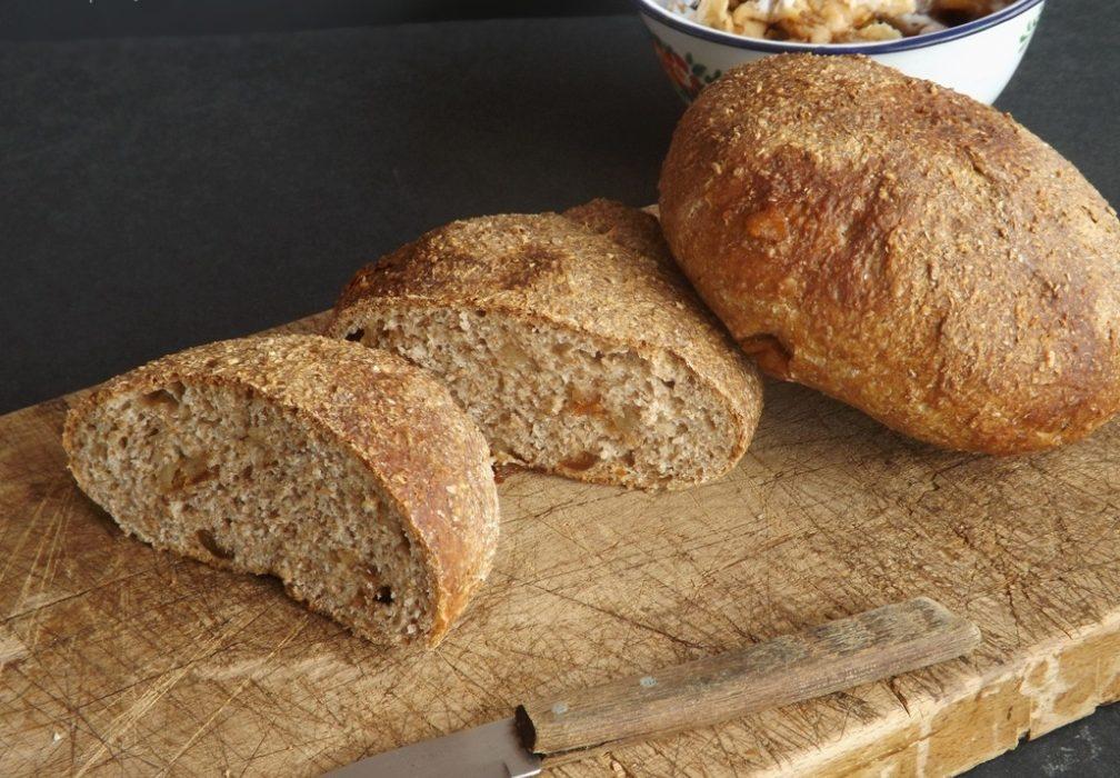 Pane con i ciccioli, pani cun gerda