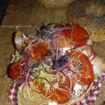 Bagels: farcitura. burrata, crudo di san Daniele e pomodori confit
