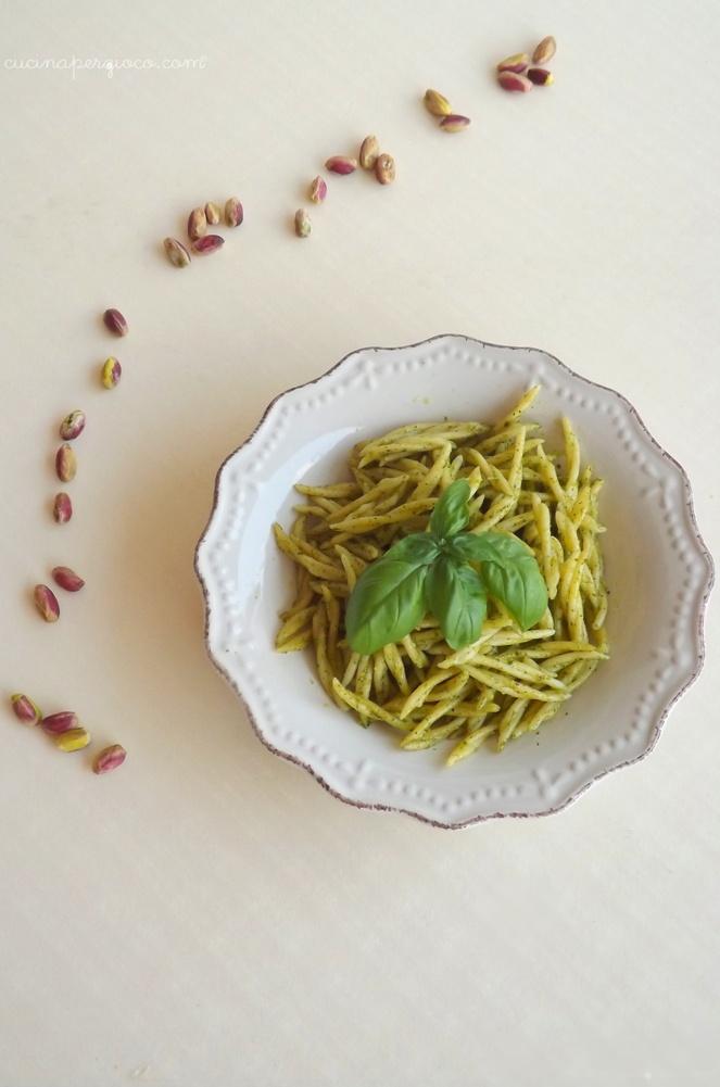 Trofie con Pesto di basilico e pistacchi