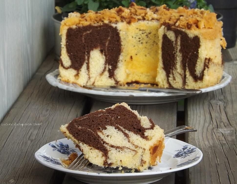 Fluffosa marmorizzata Chiffon cake vaniglia e ciooccolato