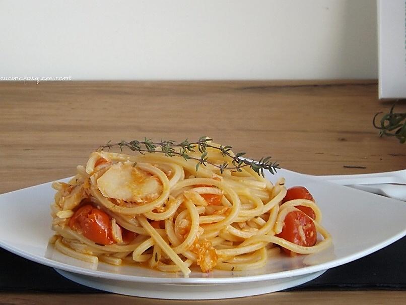 Spaghetti con stoccafisso, pomodorini e timo