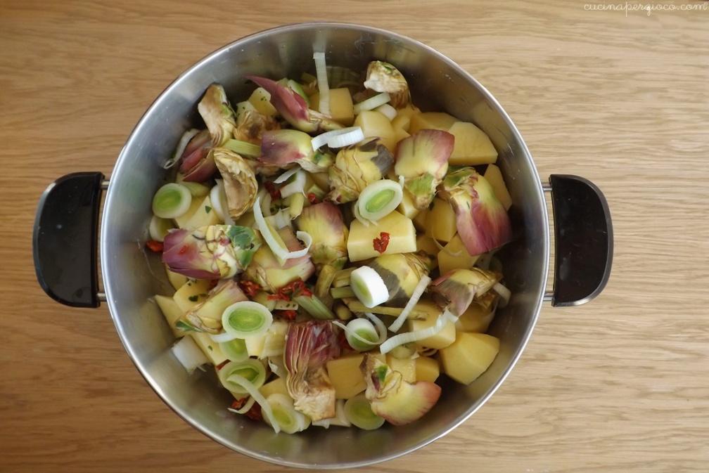 Carciofi e patate stufati