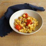Gnocchi di patate in guazzetto di pesce, timo e pomodori schiattati