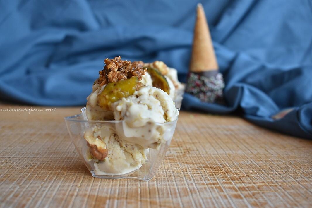 gelato ai fichi e noci: Gelato con fichi e noci senza gelatiera