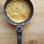 Involtini di farinata con asparagi e salame: cottura della farinata